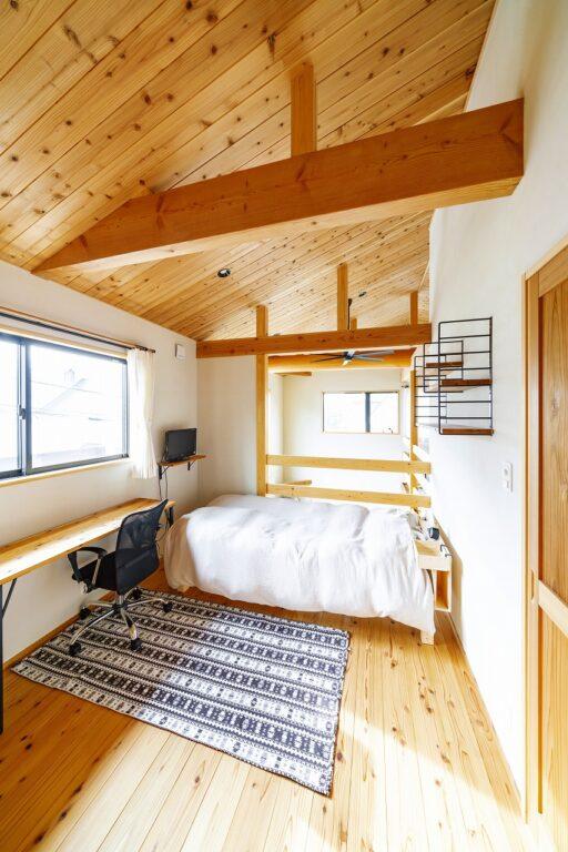 驚くほど開放的!木が香る自然素材をたっぷり使用した憩いの家